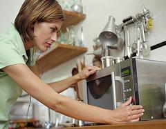 怎么区别电烤箱和微波炉 它们能不能互相替代?