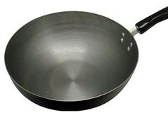 铁锅如何保养 让你家锅干净如新