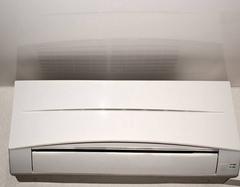 空调积攒灰尘细菌繁殖 怎么清洗空调很重要