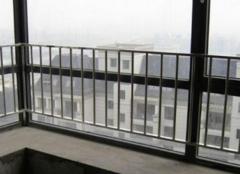 阳台防护栏的高度与价格 营造安全的活动区域