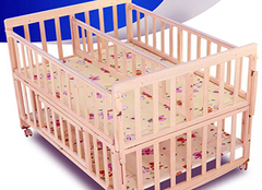 康贝儿婴儿床尺寸  怎样选购婴儿床