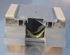 建筑变形缝中盖缝处理几大要点