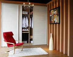定做整体衣柜多少钱一平方 影响衣柜价格的因素有哪些