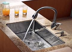 厨房水龙头如何更换 厨房水龙头漏水怎么办