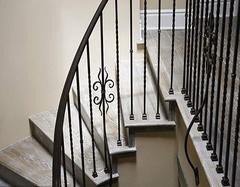 铁艺楼梯扶手安装步骤有哪些 怎么安装铁艺楼梯扶手