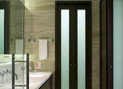 卫生间折叠门的选购技巧 保持通透和私密