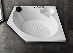 最小的浴缸尺寸是多少  小户型都会爱上它
