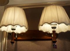 床头壁灯高度多少合适 床头壁灯安装高度介绍