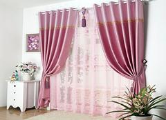 客厅窗帘用什么颜色好 白色高贵典雅