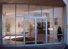 玻璃门多少钱一平方 不同种类价格有何区别