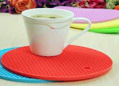 硅胶餐具的优势有哪些 给用餐多一点选择