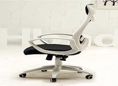 怎样挑选舒适的电脑椅 让工作事半功倍