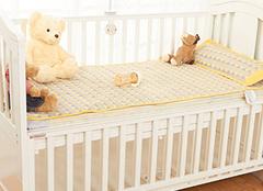 婴儿床可以陪孩子睡到几岁 选购一定要注重安全