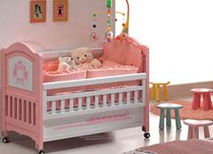 选购婴儿床要注意哪些 质量安全千万别忽略