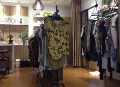 小型服装店货架哪有卖 小型服装店货架厂推荐