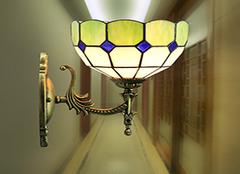 怎样挑选卧室壁灯 要看哪些要素