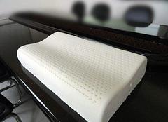 记忆棉枕头有哪些优缺点 你适合使用吗