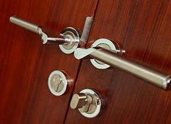 防盗门换把手步骤讲解 更换锁具就是这么方便