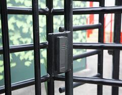 怎么挑选不锈钢防盗门 买不锈钢防盗门有哪些注意事项