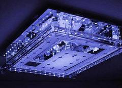 水晶灯和平板灯的区别 不知道的来看看
