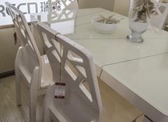 餐椅的保养与清洁有哪些技巧 洁净你的饮食生活