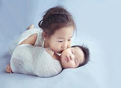 生二胎怕没人带?别着急,卫计委将制定零到三岁婴幼儿发展规划