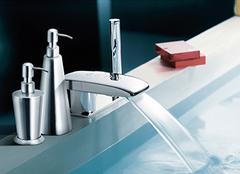 整体浴室柜的优点有哪些 让家居更协调