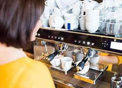 全自动咖啡机和半自动的区别 两者特点分别是什么