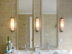 卫生间镜前灯摆放须知 这样摆放美观又实用