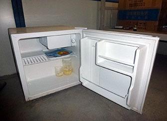 小型冰箱�r格多少※�X 300-400元小三分之一大小冰箱推�]№