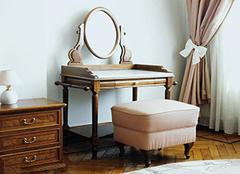 小卧室如何摆放梳妆台 摆放对了还你一个大空间