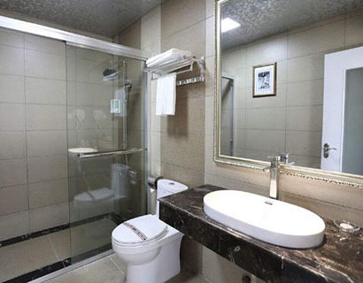 卫生间装修效果图小户型整体卫浴 怎么做干湿分离呢