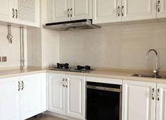 金牌厨柜和欧派厨柜哪个好 你会偏向哪个橱柜品牌
