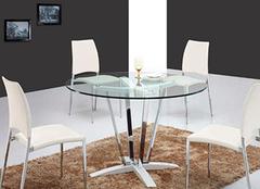 玻璃餐桌好吗 玻璃餐桌图片和价格介绍