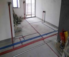 水电改造:水管和电线能同时走吗?水电走顶与走地优缺点