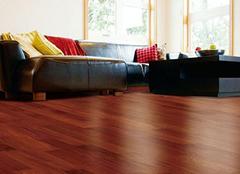 木质地板保养用精油好还是打蜡好 木质地板保养小知识