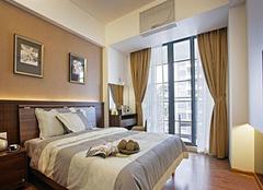 卧室挂什么颜色窗帘好 夫妻卧室窗帘颜色风水