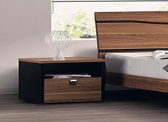 床头柜尺寸一般是多少 1.8米的床配多大床头柜