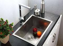 水槽底部漏水怎么办 厨房水槽漏水用什么胶