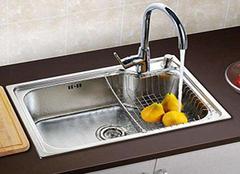 厨房水槽台上盆好还是台下盆好 水槽台下盆容易掉吗