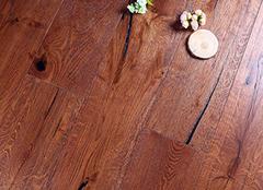 多层实木地板和强化地板哪个好 多层实木地板选什么品牌