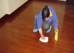 地板打蜡一般多少钱 地板打蜡流程