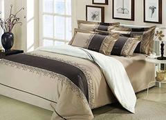 床上用品什么面料最好 冬天床上怎么铺最舒服