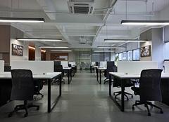 办公室座位最佳位置 办公室摆放什么最招财