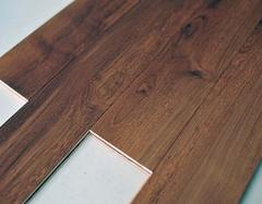 pvc地板革越厚越好吗 pvc地板革环保吗