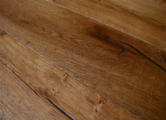 地板开裂是什么原因 地板裂缝怎么修补