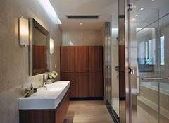 浴帘和玻璃隔断哪个好 浴房玻璃隔断清理方法