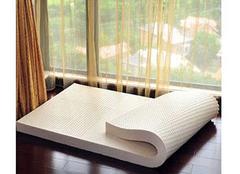 长期睡乳胶床垫的危害 乳胶床垫对腰椎好不好