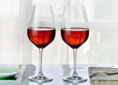 红酒杯哪个牌子好 红酒杯怎么拿