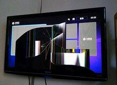 电视的屏幕碎了怎么办 电视碎屏维修多少钱